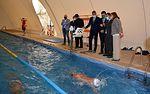 Álvaro Gutiérrez felicita al alcalde de Fuensalida por recuperar para su pueblo la piscina cubierta