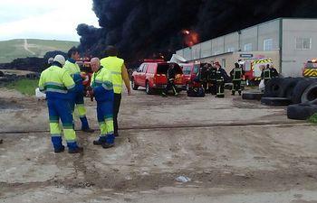 Incendio en una fábrica de neumáticos en Seseña