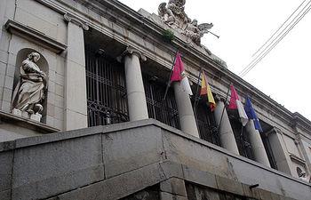 El CEE tiene su sede en el antiguo palacio de Lorenzana, Campus de Toledo.
