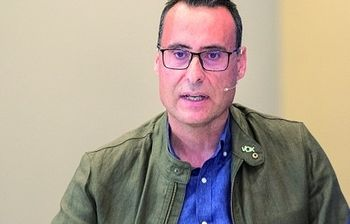 Antonio de Miguel, portavoz del Grupo Municipal de Vox en el Ayuntamiento de Guadalajara.