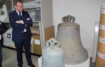 Vicente Casañ visita el Museo Provincial.