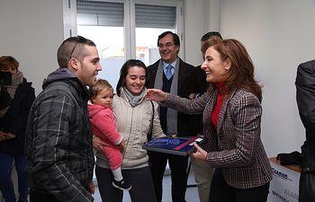 Marta García entrega viviendas Alameda de la Sagra-1. Foto: JCCM.