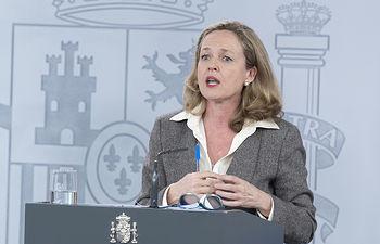 La vicepresidenta tercera y ministra de Asuntos Económicos y Transformación Digital, Nadia Calviño, durante su intervención en la rueda de prensa posterior al Consejo de Ministros. Foto: fotobpb