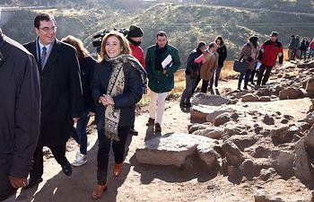 Marta García visita las obras de recuperacion del Cerro del Bú. Foto: JCCM.