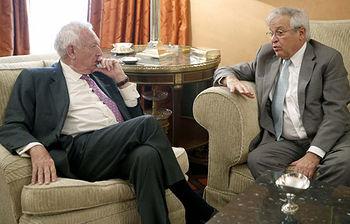 Encuentro del ministro García-Margallo con el director ejecutivo de ONU-HABITAT, Joan Clos (foto EFE)