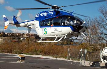Imagen del helicóptero sanitario, Eurocopter EC-145, de la flota de la Gerencia de Urgencias, Emergencias y Transporte Sanitario del Sescam.