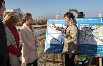 Marta García visita obras de la Travesía de Nambroca (1). Foto: JCCM.