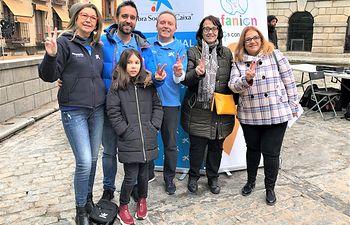 """Voluntarios de """"la Caixa"""" en Toledo en las actividades organizadas por AFANION con motivo del Día Internacional del Cáncer Infantil."""