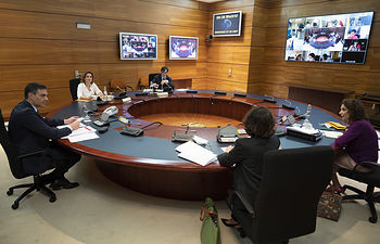 El jefe del Ejecutivo, Pedro Sánchez, preside la reunión del Consejo de Ministros, desde el Complejo de la Moncloa.