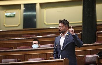 El portavoz de ERC, Gabriel Rufián, durante su intervención en el pleno de control al Gobierno. Firma: Eduardo Parra / Europa Press