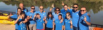 """Los Voluntarios de """"la Caixa"""" promueven el piragüismo inclusivo para personas con diversidad funcional."""