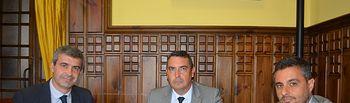 Álvaro Gutiérrez en la firma del convenio con la Agrupación de Empresarios de la Construcción