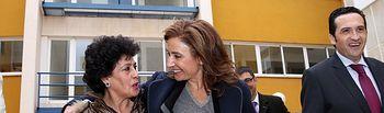 Marta García visita las obras de rehabilitación de una comunidad de vecinos. Foto: JCCM.