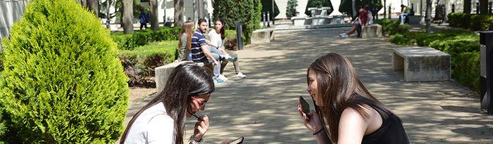 Alumnos en el Campus de Ciudad Real.