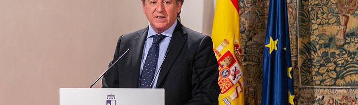 Ángel Nicolás, presidente de CECAM. Firma del Plan de Medidas Extraordinarias para la recuperación económica de la región. Foto: Foto:D.Esteban Gonzalez//JCCM