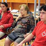 La asistencia social a los mayores de la Región depende, en gran parte, de la Cruz Roja.