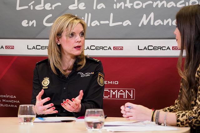 Genoveva Armero Simarro, inspectora jefa de la Unidad de Familia y Mujeres de la Policía Nacional de Albacete. Foto: Manuel Lozano García / La Cerca