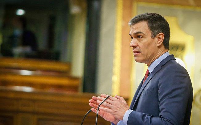Pedro Sánchez, durante el Pleno en el Congreso para aprobar nueva prórroga del estado de alarma.